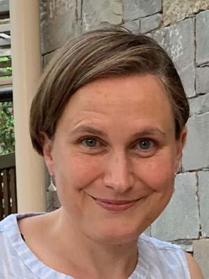 Porträtfoto von Dr. Caroline Bialon