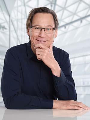Porträtfoto von Jörg Wrobbel